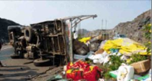 sangamner taluka news One injured along with the police in the tempo accident