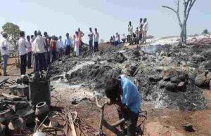 Akole Taluka Kombhalane houses burnt down