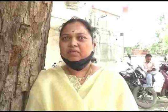 Ahmednagar News Parner Tahsildar Jyoti Devare